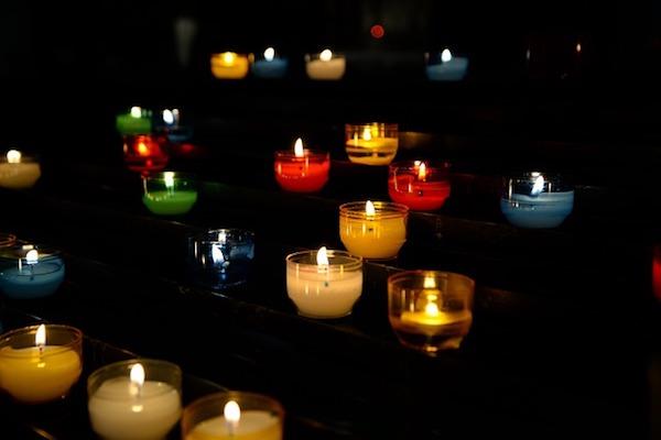 manifester ses désir avec l'aide du reiki et des bougies